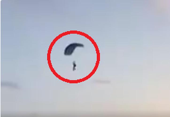 La funcionario estatal dijo que el otro paracaidista no requirió hospitalización.  (Foto: Captura del video)