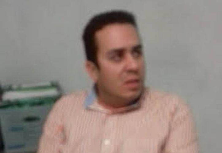 Luis Aristiga López Moreno es veterinario, y trabaja en el rancho Pozo Nuevo, propiedad del exmandatario de Sonora. (Excélsior)