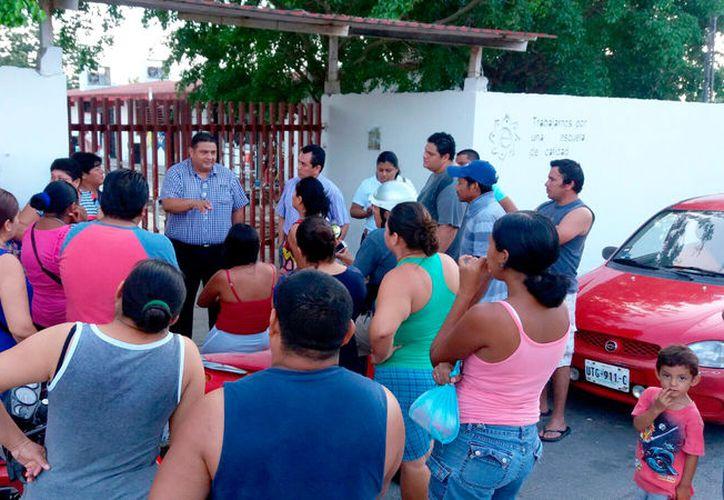 Además, los padres de familia se quejan por los alimentos que se brindan en el comedor del plantel. (Foto: Alejandra Carrión / SIPSE)