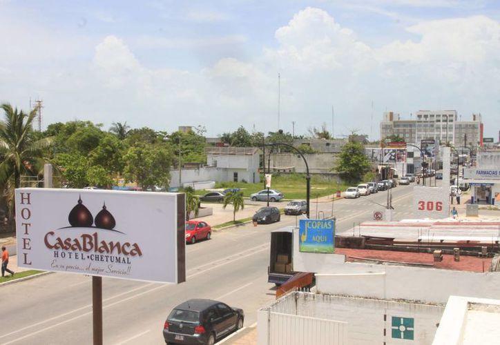 Entre Bacalar, Felipe Carrillo Puerto y Chetumal suman más de tres mil los cuartos de hotel. (Harold Alcocer/SIPSE)