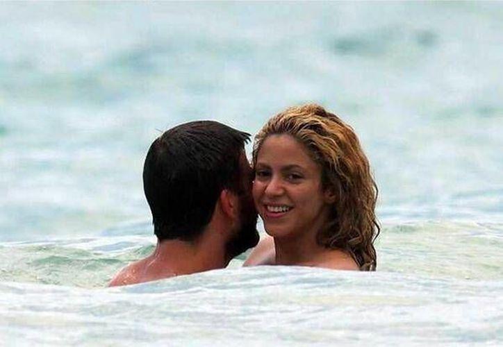 Shakira y Piqué disfrutan de las playas. (Twitter/@Función_Exc)