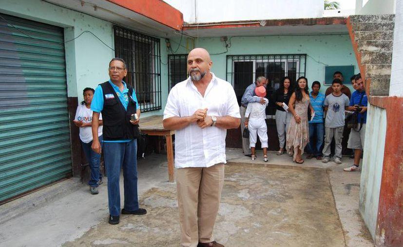 Antonio Cervera León implementó un programa de salud bucal con la Asociación de Chiapanecos Radicados en Cancún. (Tomás Álvarez/SIPSE)
