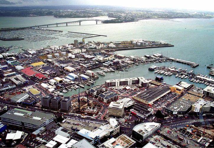 Vista general de la localidad de Auckland. Autoridades pidieron a la población a evacuar sus casas por un potencial tsunami tras el temblor  (EFE/Archivo)