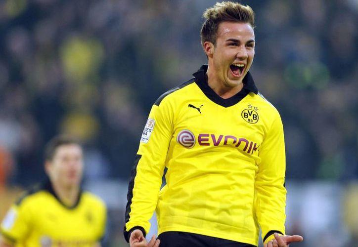 Gotze está llamado a ser el conductor de los 'hilos' del Bayern dirigido por Pep Guardiola. (smtdaily.com/Archivo)