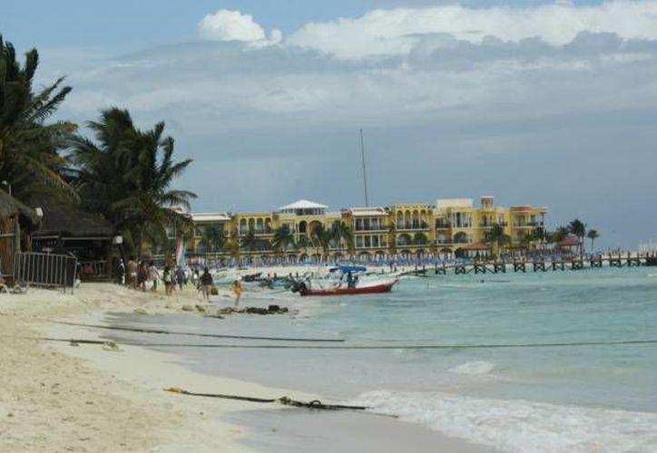 Las recientes lluvias deslavaron las playas afectadas. (Archivo/SIPSE)