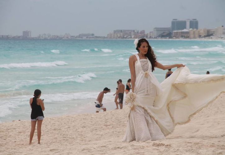 El Caribe mexicano se consolida como el destino preferido de los estadounidenses para realizar sus bodas. (Israel Leal/SIPSE)