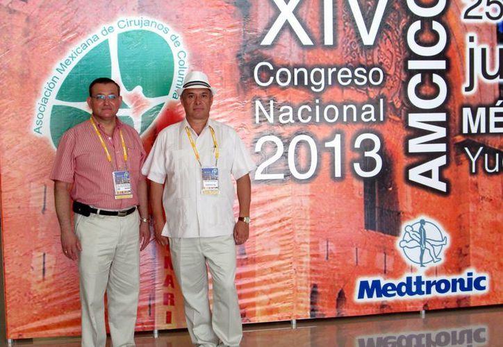 Carlos Miguel Zamorano Bojórquez y Edgar Daniel Huitrón Carrillo, durante el congreso nacional. (SIPSE)