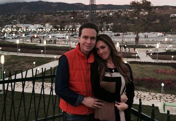 Manuel Velasco y Anahí llevan tres años como pareja. (Facebook/Anahí)