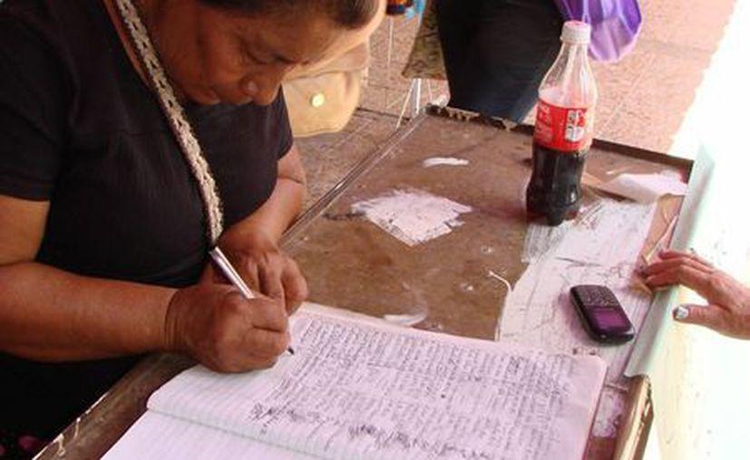 """La libreta de los """"descontentos"""" se encuentra en el mercado de la ciudad. (Manuel Salazar/SIPSE)"""