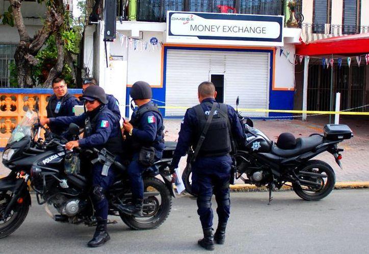Este mes, los socios de la Canaco en Playa del Carmen podrían tener en sus comercios un 'Botón de Pánico'. (Daniel Pacheco/SIPSE)