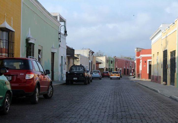 Especialista de la Unesco considera que se debe evitar que los vecinos del centro de Mérida dejen sus casas. (José Acosta/SIPSE)