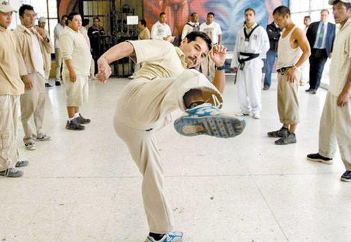 Gerardo entrena a por lo menos 50 internos, aunque solo 10 son los más constantes. (Jesús Quintanar/MILENIO)