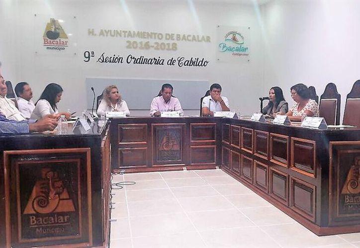 Sólo seis integrantes del Cabildo asistieron a la sesión. (Javier Ortiz/SIPSE)