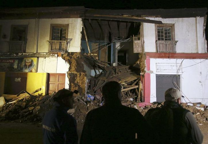 Vista de una vivienda destruida tras el terremoto de magnitud 8.4, en la ciudad de Illapel, al norte de Santiago de Chile. (EFE)