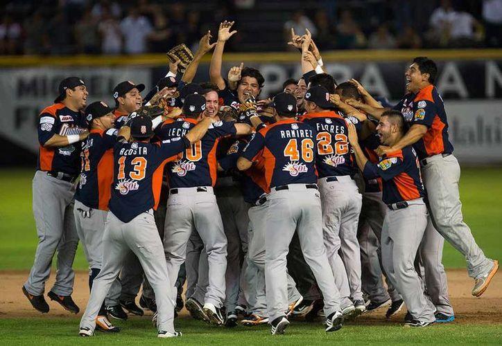 Los Tigres de Quintana Roo jugarán el primer juego de la temporada en el estadio del Beto Ávila en Cancún. (Redacción/SIPSE)