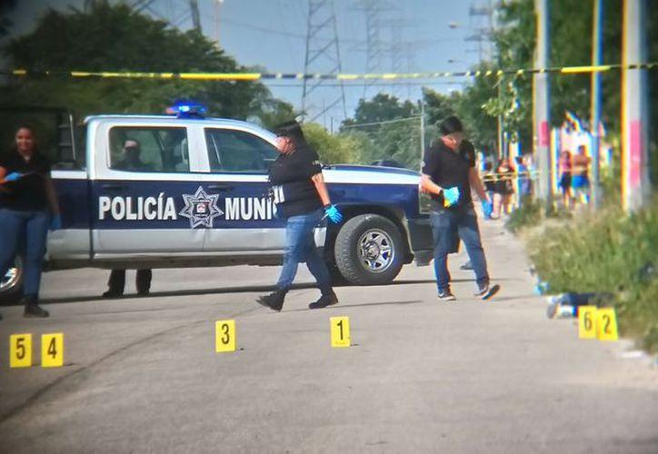 El cuerpo del menor fue hallado en la orilla de la avenida 20 de Noviembre. (Redacción/SIPSE)