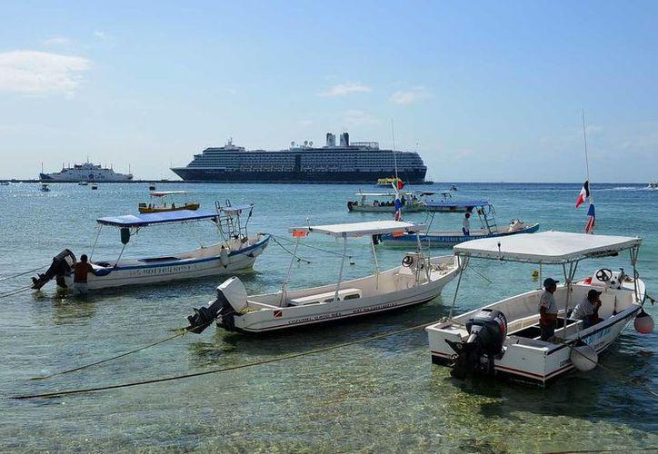 La Apiqroo no ha anunciado cancelaciones en atraque de cruceros. (Gustavo Villegas/SIPSE)