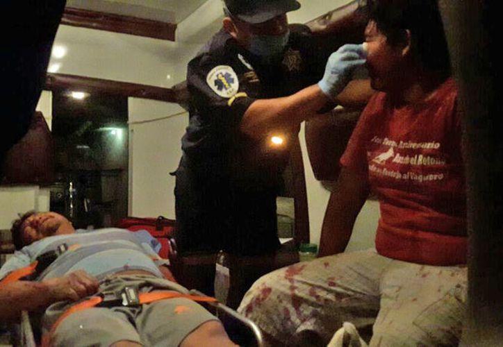 Una bronca callejera dejó varios heridos, en la comisaría Chichí Suárez, de Mérida. Uno de los agredidos terminó con ambas piernas fracturadas y tuvo que ser trasladado al hospital. (Miguel González/SIPSE)