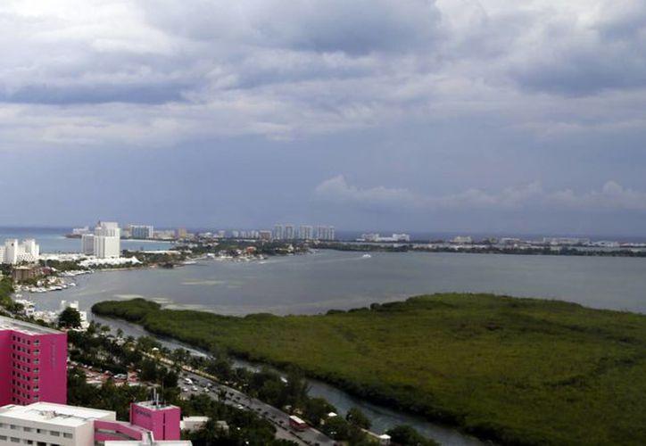 Implementan nueva estrategia para promocionar la marca Cancún. (Israel Leal/SIPSE)