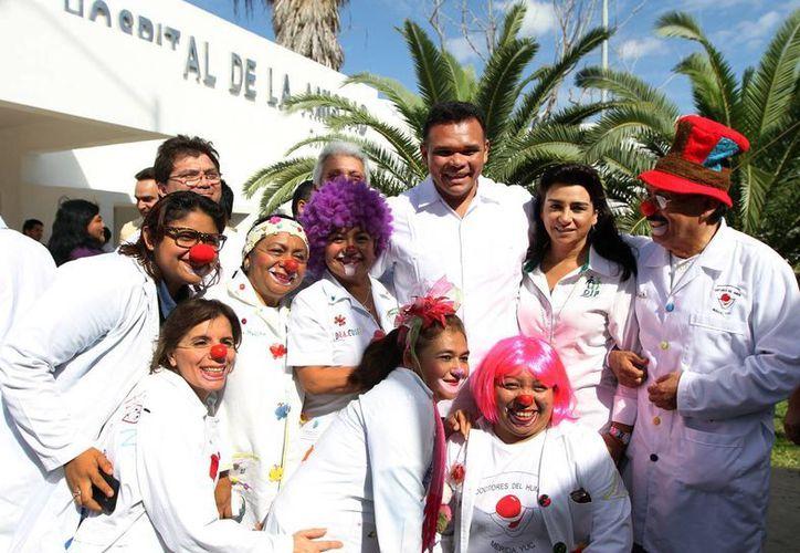 Una de las actividades que encabezó este jueves el gobernador Rolando Zapata Bello. (SIPSE)