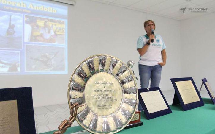La subdirectora de Deportes, Deborah Andollo, dio un taller motivacional. (Foto: Redacción)