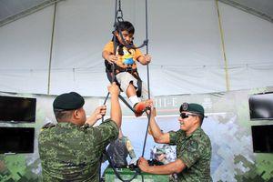 Los niños y su pasión por las Fuerzas Armadas