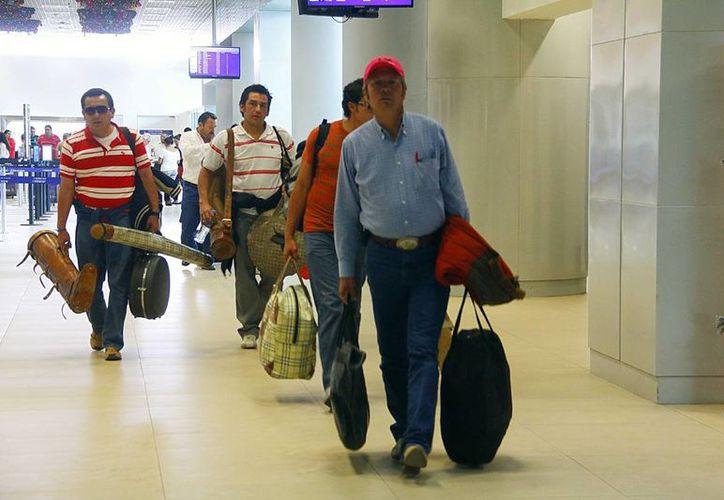 En los últimos años, Yucatán ha incrementado su conexión aérea, en especial con EU. Imagen de contexto de la sala de llegadas del Aeropuerto de Mérida. (Milenio Novedades)
