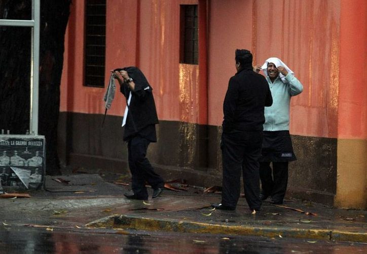 El huracán <i>Amanda</i>, el primero de la temporada en el Pacífico,  a pesar de su lejanía, generó lluvias en varias partes del país. La imagen corresponde a la Ciudad de México. (Archivo/NTX)