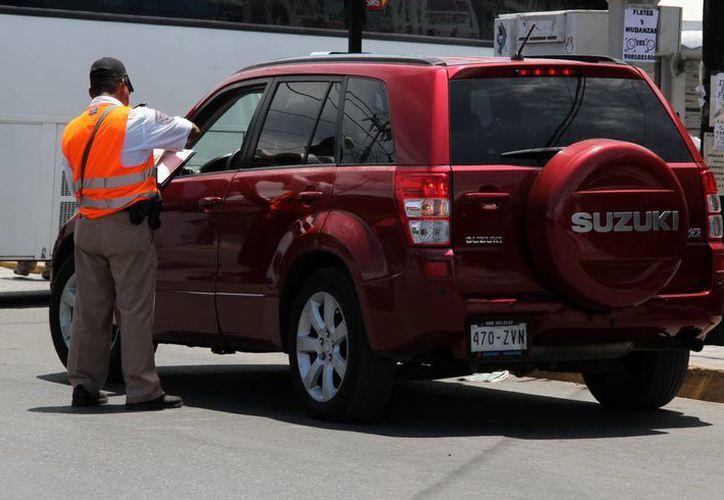 Continúan los abusos contra los turistas que rentan vehículos. (Luis Soto/SIPSE)