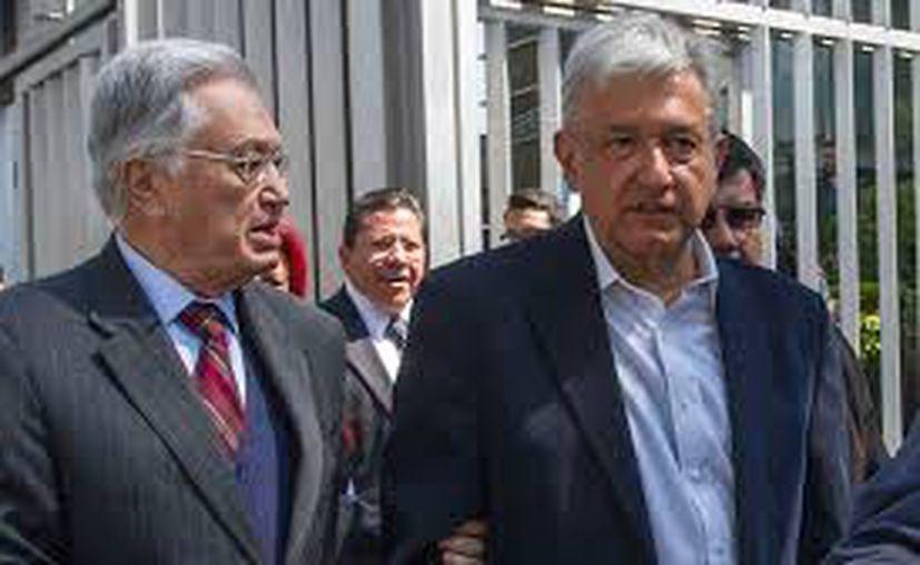 Manuel Bartlett y Andrés Manuel López Obrador (Foto: Facebook)