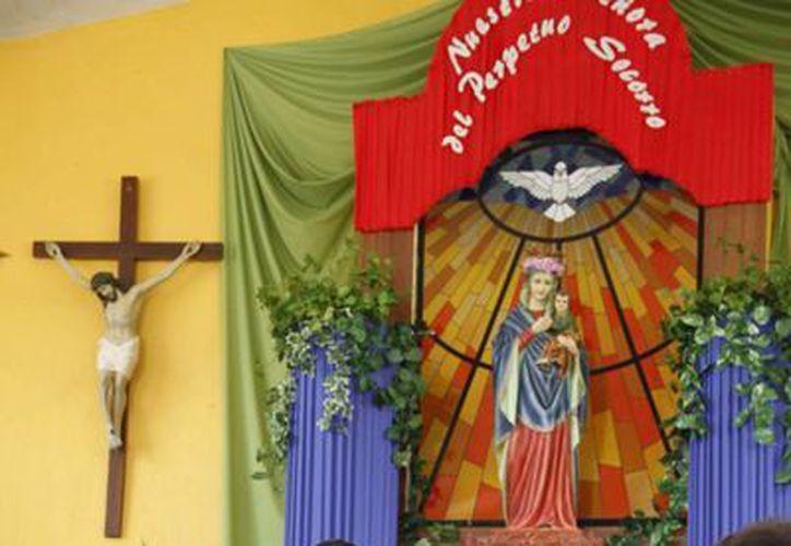 Para la iglesia católica, la unión matrimonial es indisoluble. (Jorge Carrillo/SIPSE)