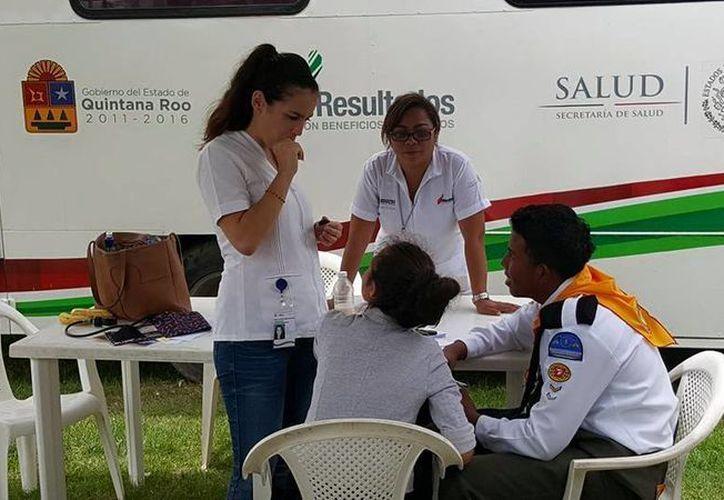 En la tercera caravana de salud, brindaron servicio a más de dos mil beliceños. (Gerardo Amaro/SIPSE)