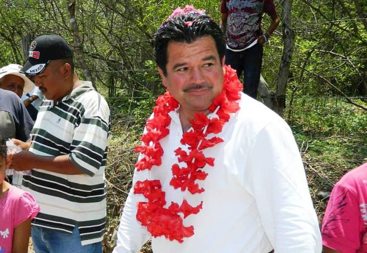 Aseguró el alcalde de Cocula que el grupo criminal nunca estuvo en  su municipio. (Foto tomada del Facebook de César Miguel Peñaloza Santana)