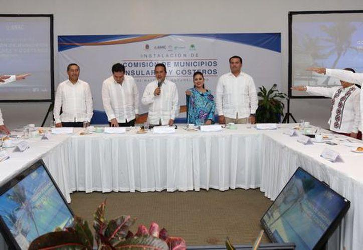 La Comisión de Municipios Insulares y Costeros de la Asociación Nacional de Alcaldes fue instalada ayer en Cozumel. (Cortesía)