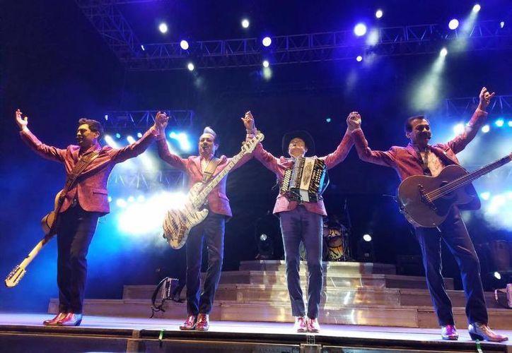 Los Tigres del Norte continuarán su gira por diferentes ciudades del país. (Foto tomada de Facebook/Los Tigres del Norte)