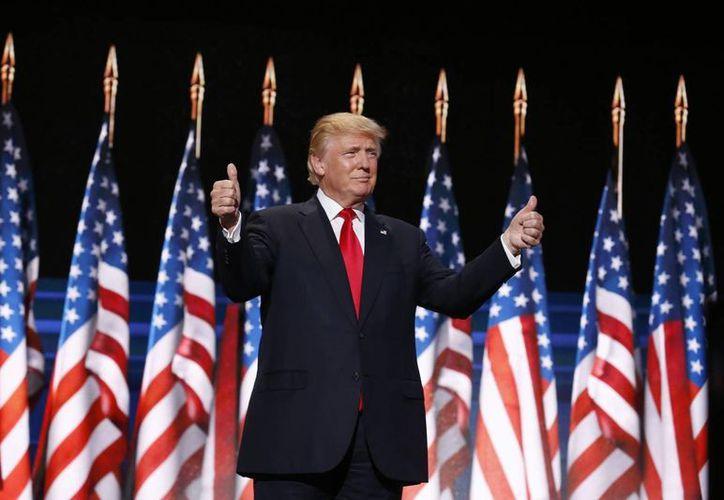 Donald Trump aceptó la invitación del presidente de México, Enrique Peña Nieto, y se reunirán en privado. (EFE)