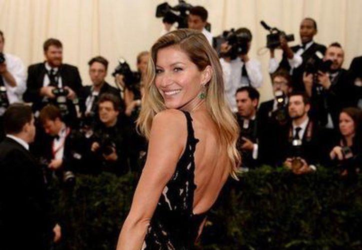 Gisele Bundchen es conocida como la modelo mejor pagada del mundo. (Facebook)