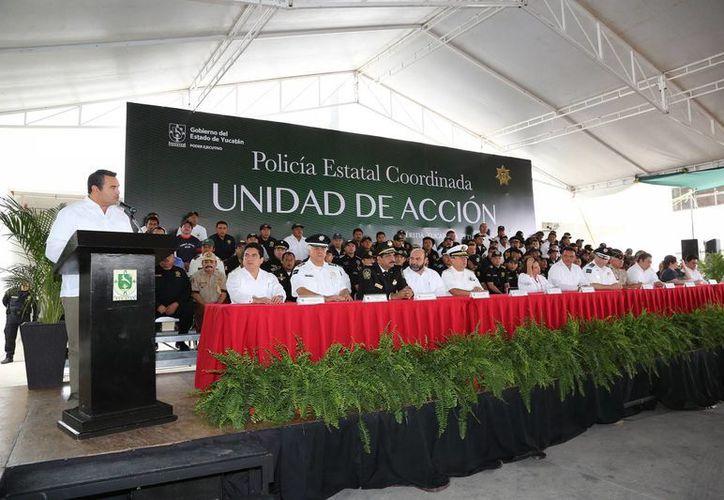Renán Barrera dijo que el Ayuntamiento ha redoblado programas sociales y solidarios de atención a la ciudadanía. (Cortesía)