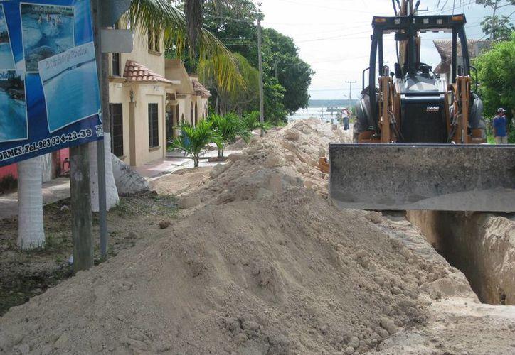 Alrededor de  600 viviendas del centro de la ciudad, ya cuentan con servicio de drenaje sanitario. (Javier Oriz/SIPSE)