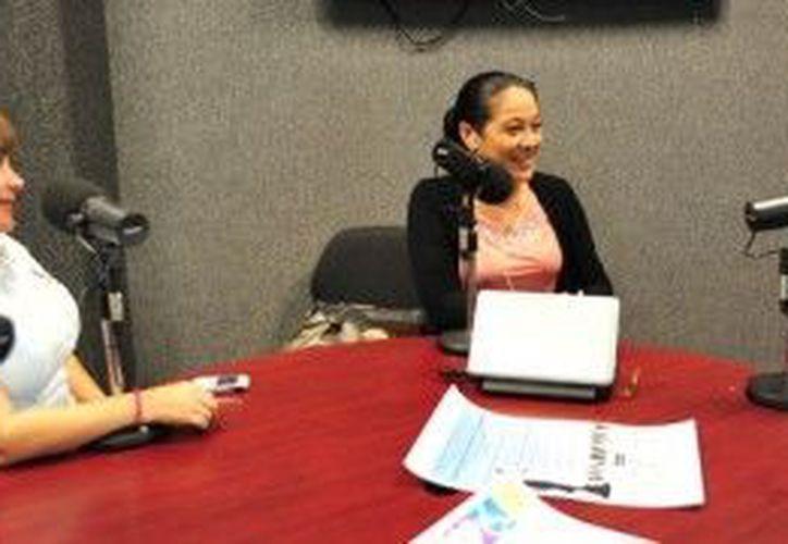 La invitación se llevó a cabo durante una emisión de radio donde participó la presidenta del DIF de Benito Juárez. (Cortesía/SIPSE)