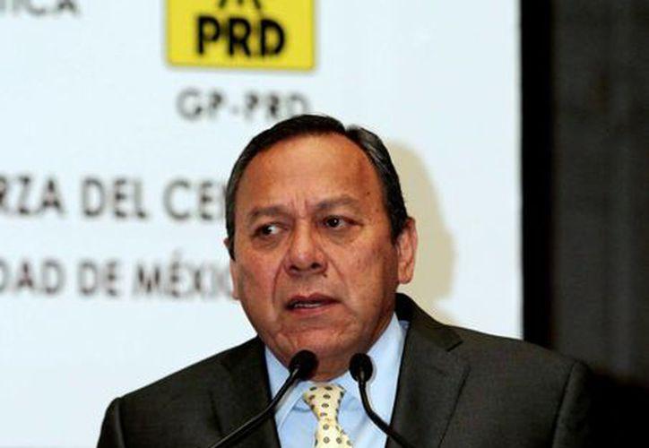 El líder del PRD aseguró que seguirán firmes en la misma posición de quedar fuera de la mesa del Pacto. (Archivo/Notimex)