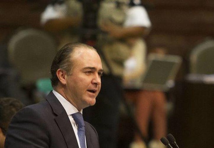 Luis Alberto Villarreal, quien aparece en un video celebrando con mujeres en Puerto Vallarta, anunció que iniciará acción penal para conocer el origen del video. (Archivo/Notimex)