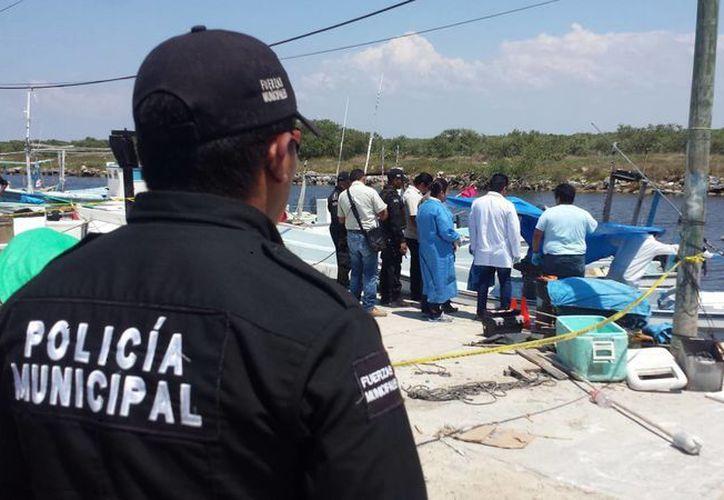 Un hombre que al parecer se dedicaba a la pesca de mero, fue muerto en un pleito entre pobladores y gente dedicaba a la captura furtiva de pepino de mar. (SIPSE)