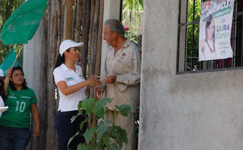 Laura Fernández informó que esto es parte del programa de regularización, y que se beneficiará a 500 familias. (SIPSE)