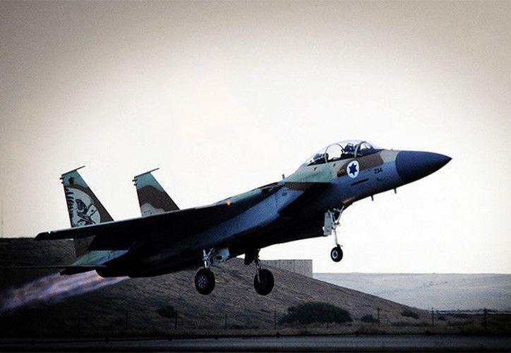 Las Fuerzas de Defensa de Israel habían informado de que al menos tres proyectiles procedentes de territorio sirio habían caído en la parte controlada por Israel sin causar ningún daño. (RT)