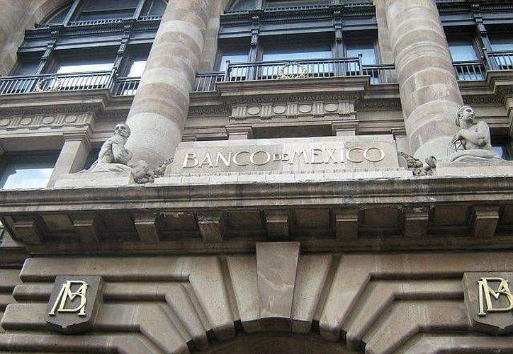 El Banco de México informó que las cuentas externas en 2012 reflejaron una desaceleración de la demanda externa. (Archivo/SIPSE)