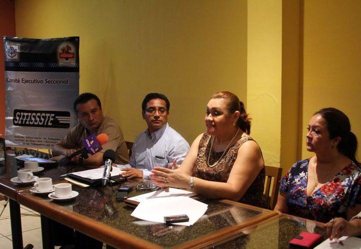 Reunión de agremiados del Comité Ejecutivo Nacional del Sitissste, durante la rueda de prensa donde se inconformaron de las arbitrariedades en contra de los trabajadores. (Milenio Novedades)