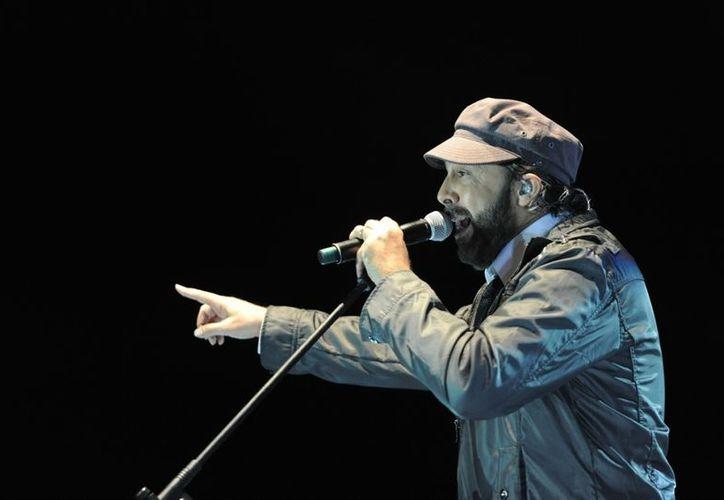 El artista dominicano Juan Luis Guerra, quien abrió el Festival de Cultura del Caribe en Cancún, se presenta esta noche en Chetumal. (Redacción/SIPSE)