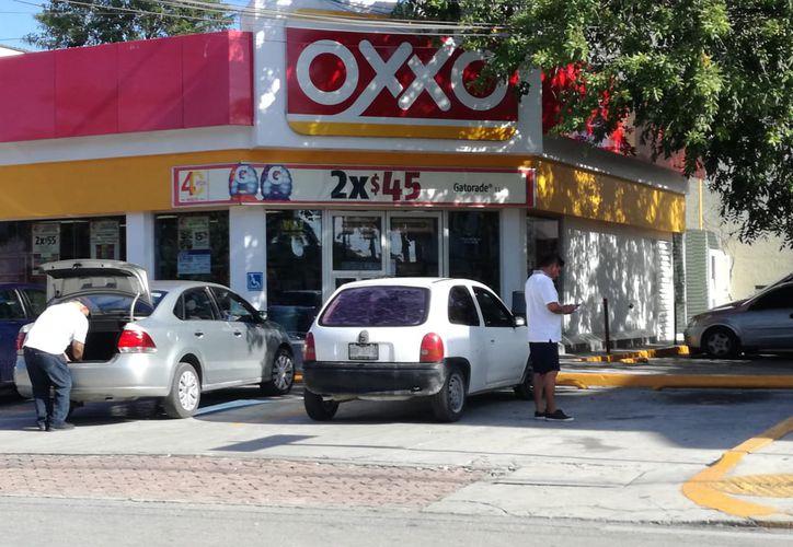 A partir de enero se reducirán las extensiones de horarios para venta de alcohol. (Adrián Barreto/SIPSE)