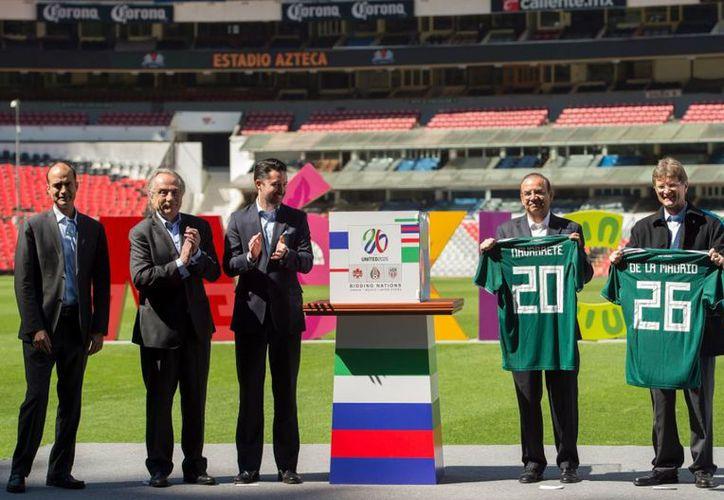 En el Estadio Azteca fue la entrega de garantías para el Mundial 2026. (Foto: Twitter)